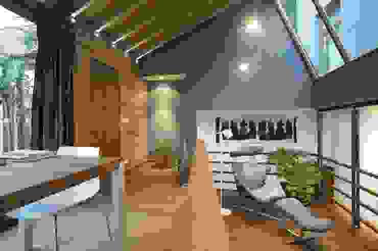 CRAPAURUE Salle à manger moderne par fhw architectes sprl Moderne