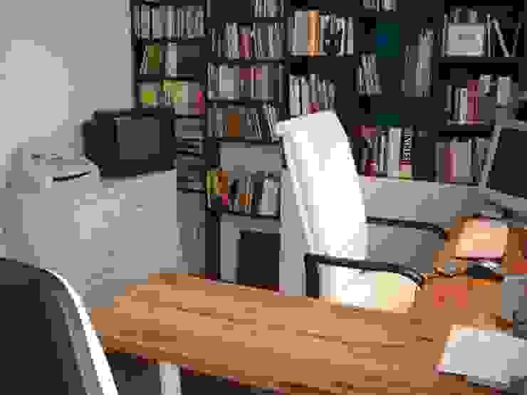 Diseño de Mobiliario Estudios y oficinas modernos de Vgomezgrun Moderno