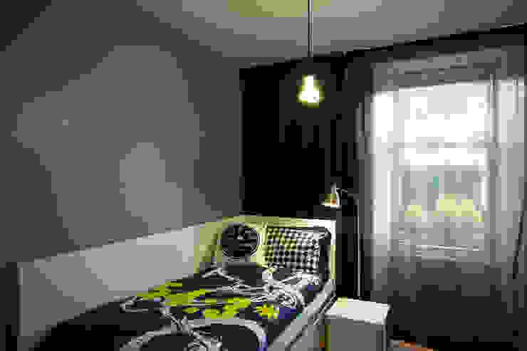 kids bedroom Urban Creatures : Architects Modern style bedroom Grey