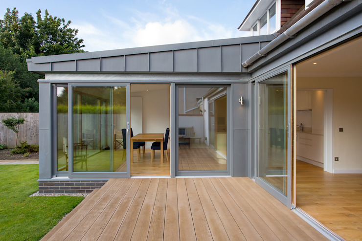 Zinc Extension Moderne huizen van Urban Creatures Architects Modern