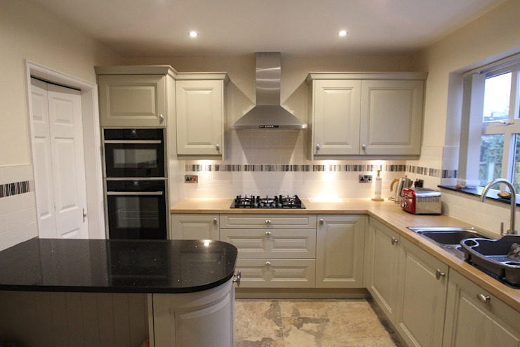 Traditional English Kitchen (with a bit of modern!) AD3 Design Limited Classic style kitchen