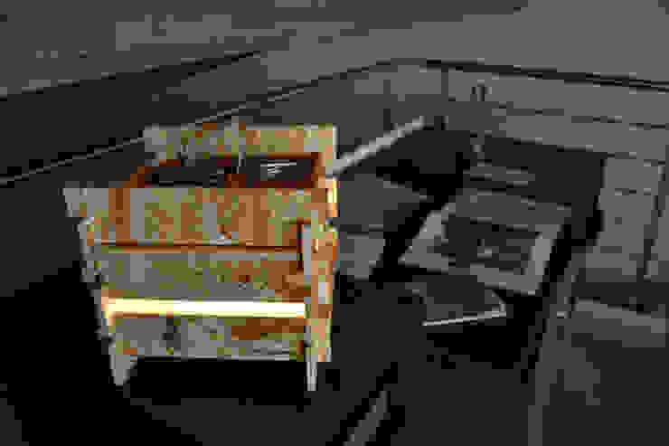 table lamp di Daniele Piazzola architetto e designer a Como Moderno