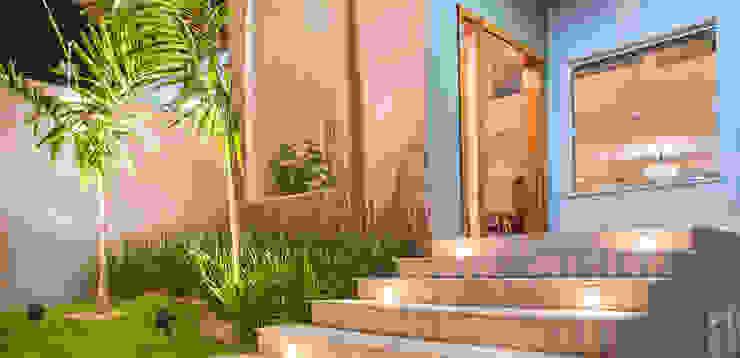 Jardim das Rosas Casas modernas por Carolina Viafora Moderno