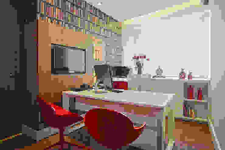 Sala da diretora Espaços comerciais modernos por Orizam Arquitetura + Design Moderno Plástico