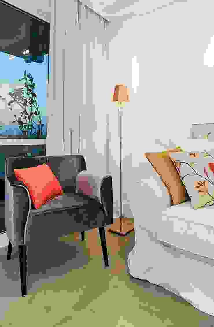 Apartamento Celebrity Salas de estar modernas por carolina lisot arquitetura Moderno