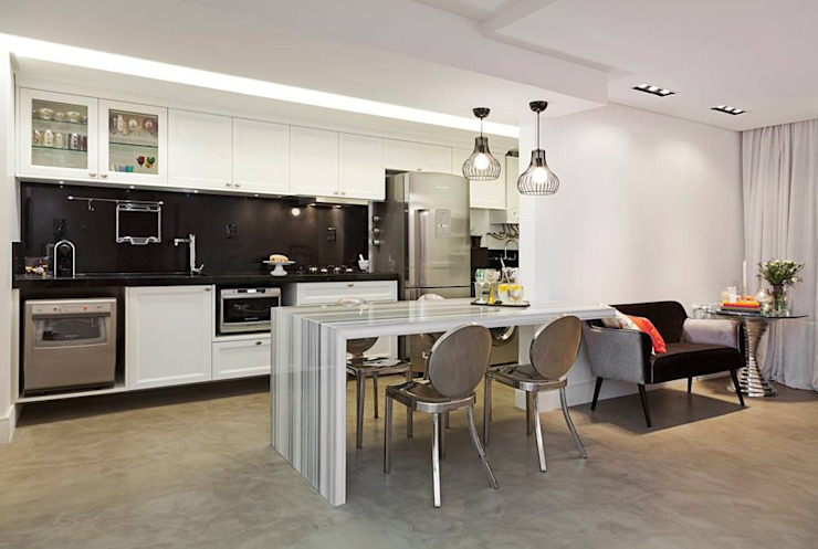 Modern kitchen by carolina lisot arquitetura Modern