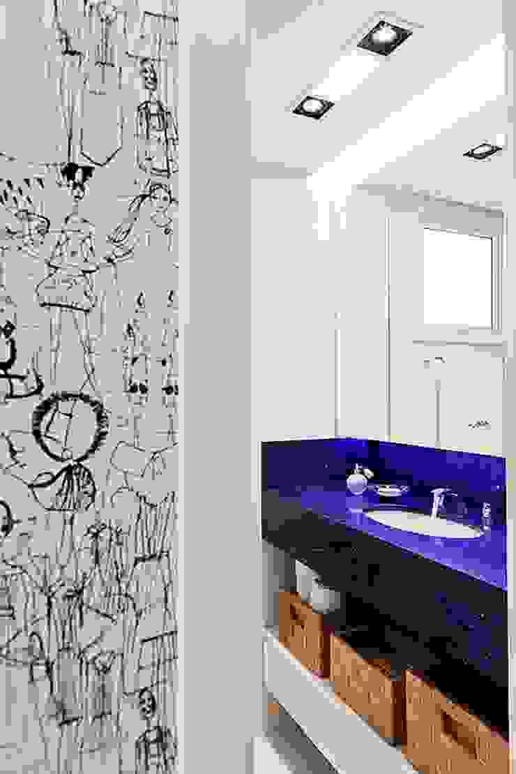 Apartamento Celebrity Banheiros modernos por carolina lisot arquitetura Moderno