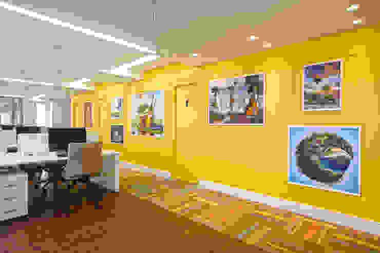 Circulação do salão Espaços comerciais modernos por Orizam Arquitetura + Design Moderno