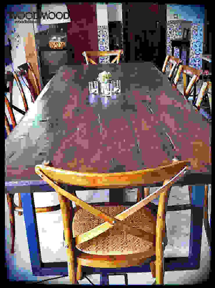 Mesa rústica por WoodMood Rústico