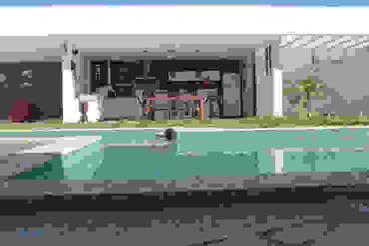Projeto de área de lazer Piscinas modernas por StudioM4 Arquitetura Moderno