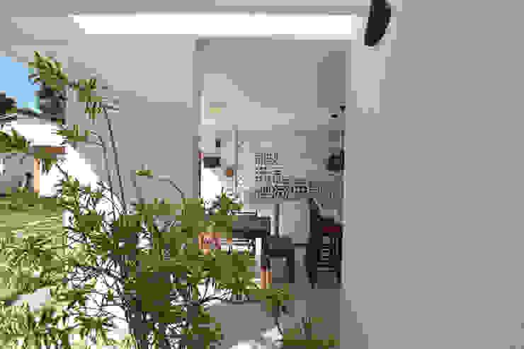 Projeto de área de lazer Varandas, alpendres e terraços modernos por StudioM4 Arquitetura Moderno