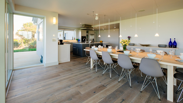 Dining table Perfect Stays Comedores de estilo moderno