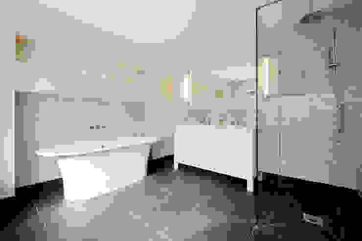 En-suite Perfect Stays Baños de estilo moderno