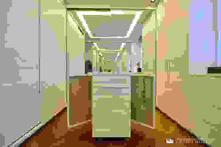 Suíte Master Closets por Tania Bertolucci de Souza | Arquitetos Associados Moderno