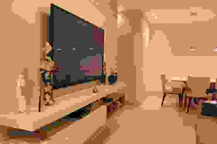 StudioM4 Arquitetura WohnzimmerTV- und Mediamöbel