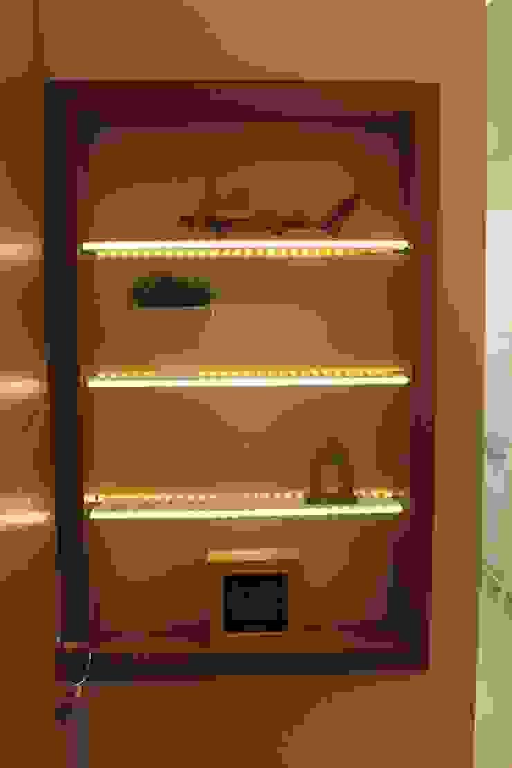 Projeto de interiores de apartamento por StudioM4 Arquitetura Moderno