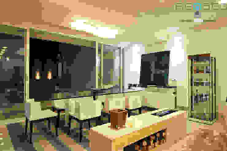 Residência C.M Renato Souza Arquitetura Salas de jantar modernas