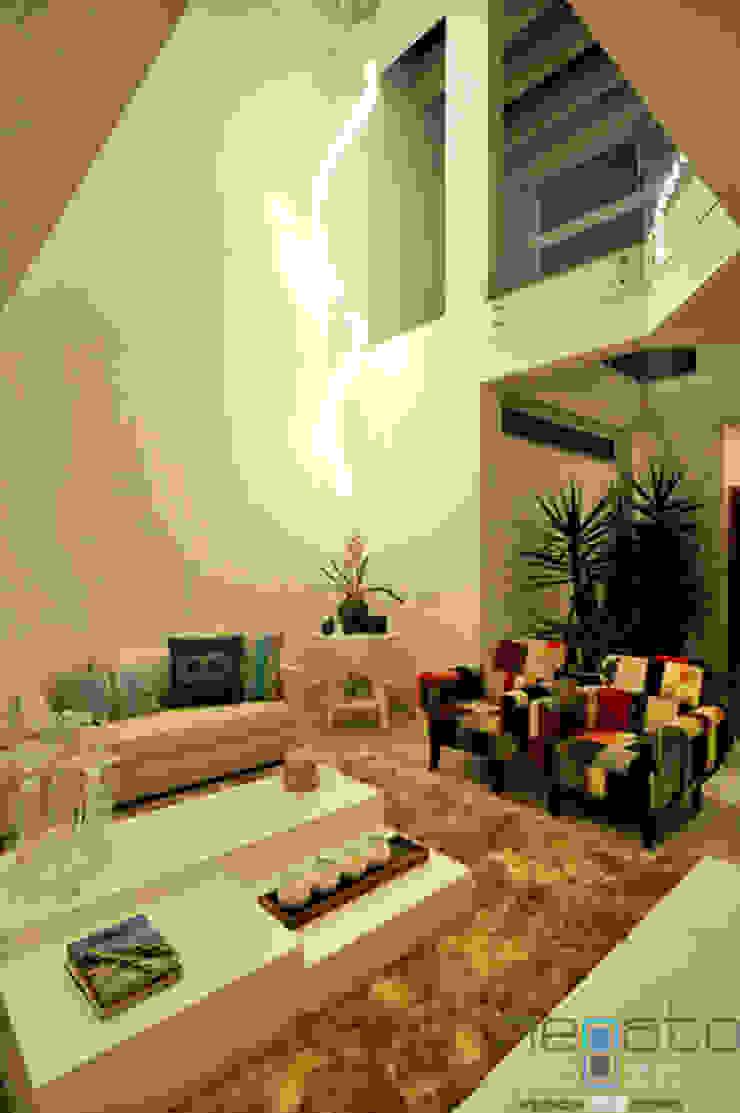Residência C.M Renato Souza Arquitetura Salas de estar modernas