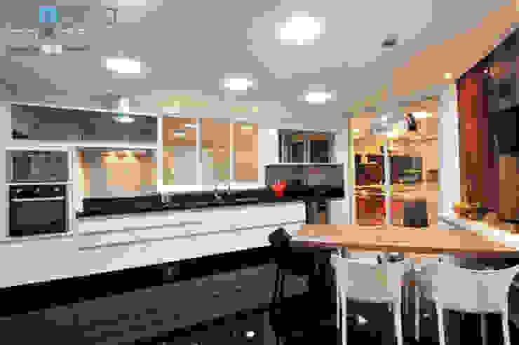 Residência C.M Renato Souza Arquitetura Cozinhas modernas