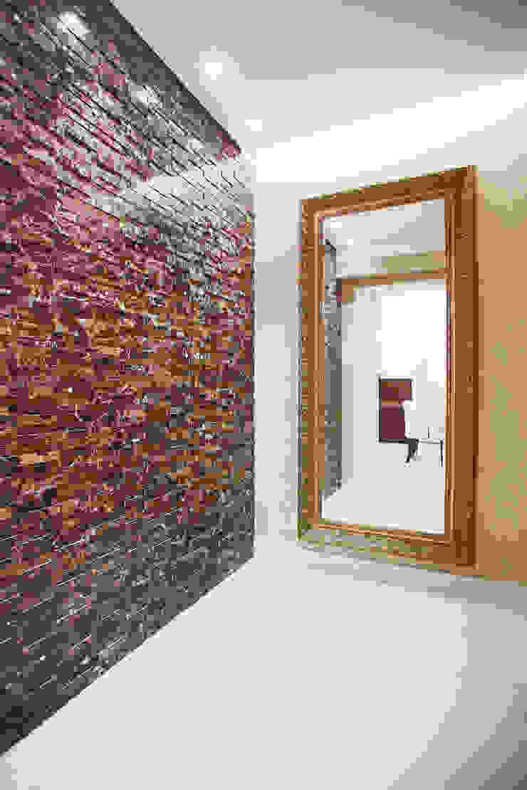hall de entrada Corredores, halls e escadas clássicos por Orizam Arquitetura + Design Clássico Pedra