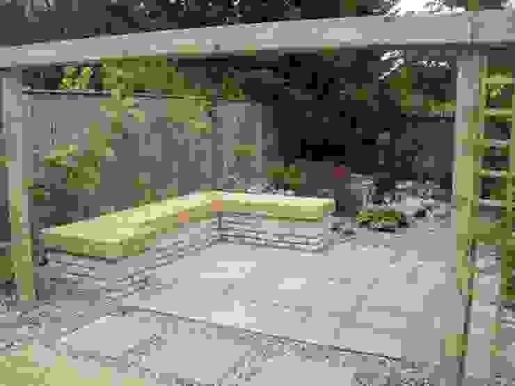 Installed seating area de Mike Bradley Garden Design