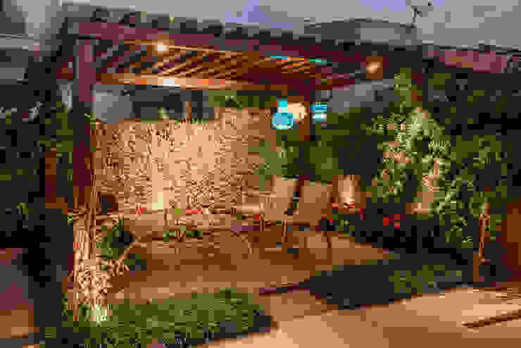 Projeto Hiên, sân thượng phong cách hiện đại bởi Heloisa Titan Arquitetura Hiện đại