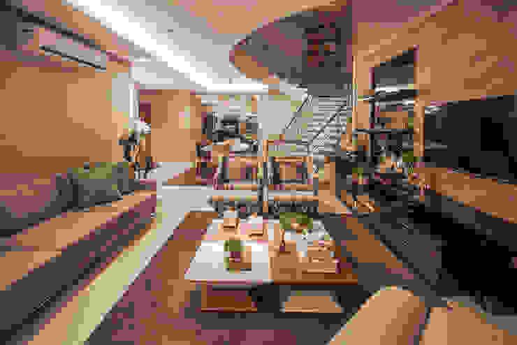Phòng khách theo Heloisa Titan Arquitetura, Hiện đại
