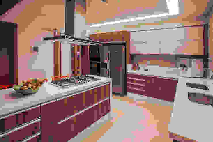 Dapur oleh Heloisa Titan Arquitetura, Modern