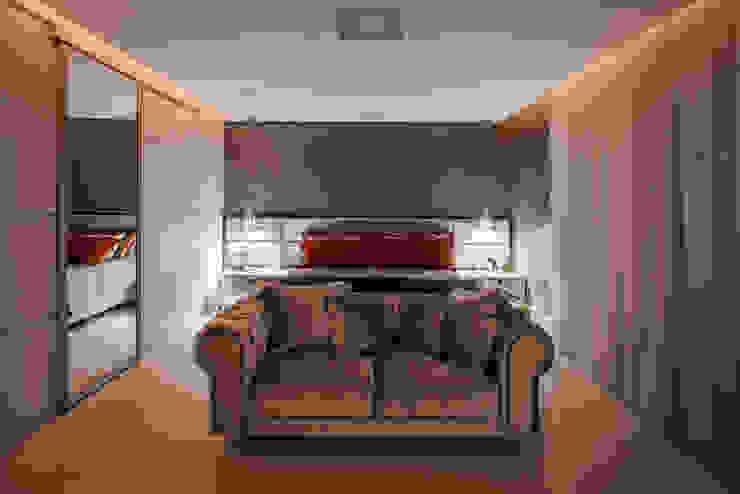 غرفة نوم تنفيذ Heloisa Titan Arquitetura,