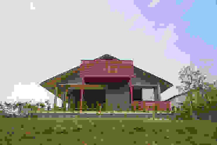 前原の家 オリジナルな 家 の AMI ENVIRONMENT DESIGN/アミ環境デザイン オリジナル