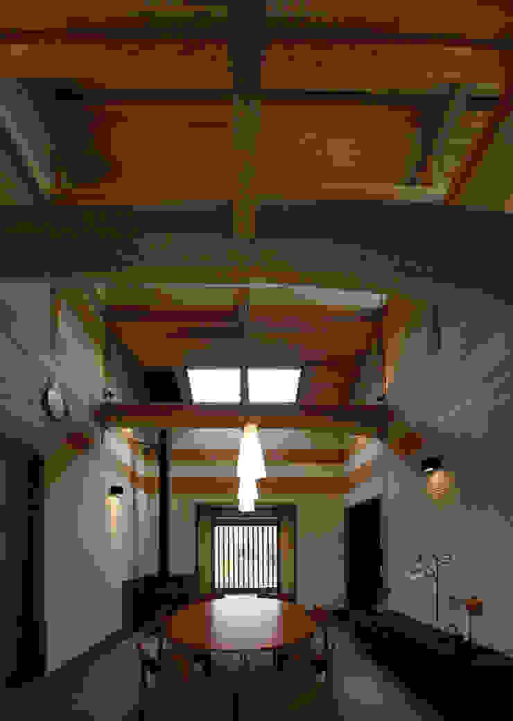 前原の家 オリジナルスタイルの 玄関&廊下&階段 の AMI ENVIRONMENT DESIGN/アミ環境デザイン オリジナル
