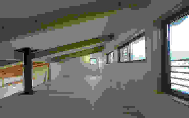 SHIMA HOUSE 和風デザインの 多目的室 の AMI ENVIRONMENT DESIGN/アミ環境デザイン 和風