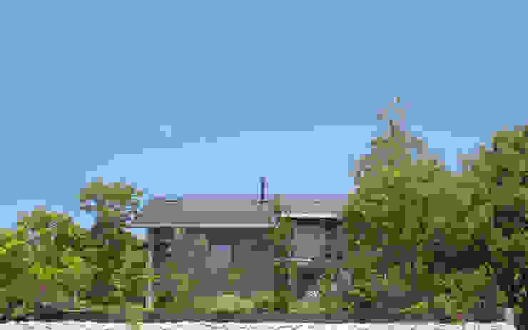 還空荘 日本家屋・アジアの家 の AMI ENVIRONMENT DESIGN/アミ環境デザイン 和風