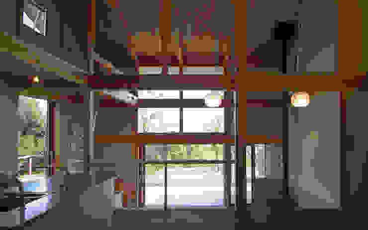 還空荘 和風デザインの リビング の AMI ENVIRONMENT DESIGN/アミ環境デザイン 和風