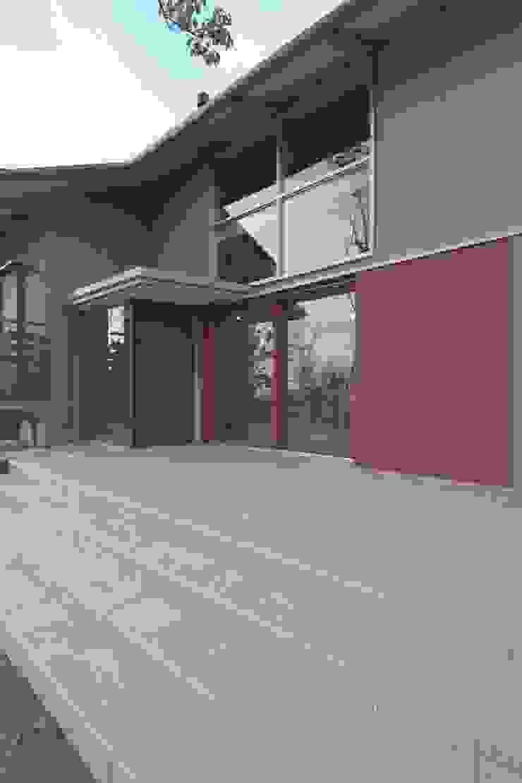 還空荘 和風デザインの テラス の AMI ENVIRONMENT DESIGN/アミ環境デザイン 和風