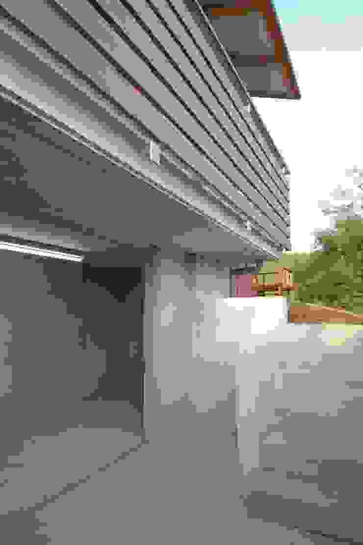 還空荘 和風の 玄関&廊下&階段 の AMI ENVIRONMENT DESIGN/アミ環境デザイン 和風