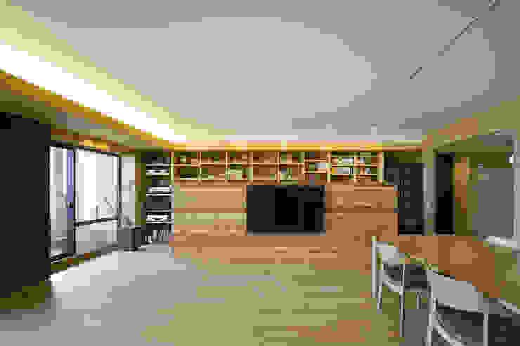 都島のマンションリフォーム モダンデザインの リビング の プラスアトリエ一級建築士事務所 モダン