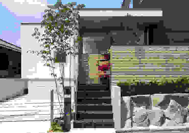 Casas de estilo  por プラスアトリエ一級建築士事務所