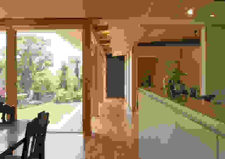 茶山の家 HOUSE IN CHAYAMA オリジナルスタイルの 玄関&廊下&階段 の プラスアトリエ一級建築士事務所 オリジナル