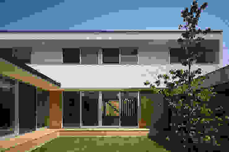 仲庭の家 モダンな庭 の プラスアトリエ一級建築士事務所 モダン