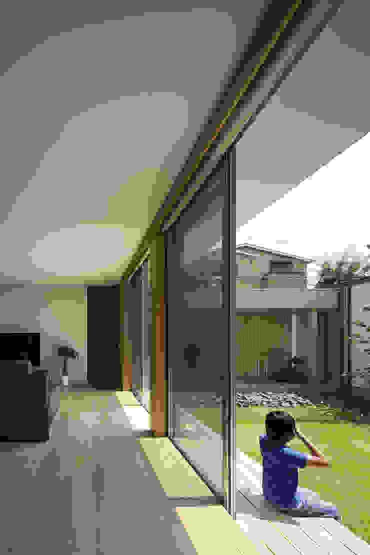 仲庭の家 モダンデザインの リビング の プラスアトリエ一級建築士事務所 モダン