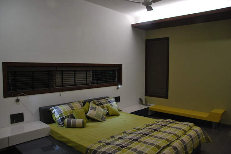 Mr. Ashwin's house Modern style bedroom by Vipul Patel Architects Modern