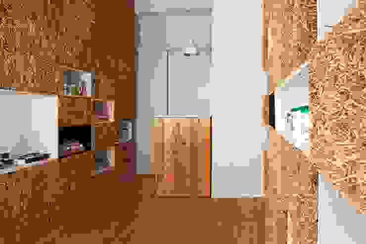 Nowoczesny salon od Eco House Turkey Saman - Kerpic Ev Nowoczesny