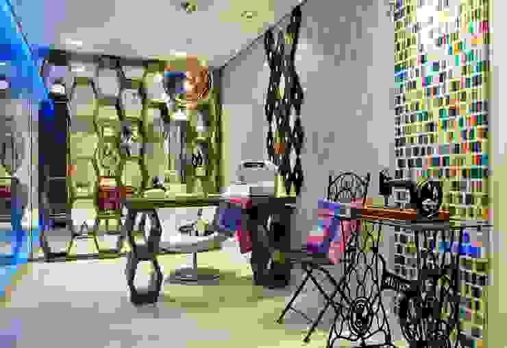 Salas de estilo moderno de Studio Guilherme Bez Moderno