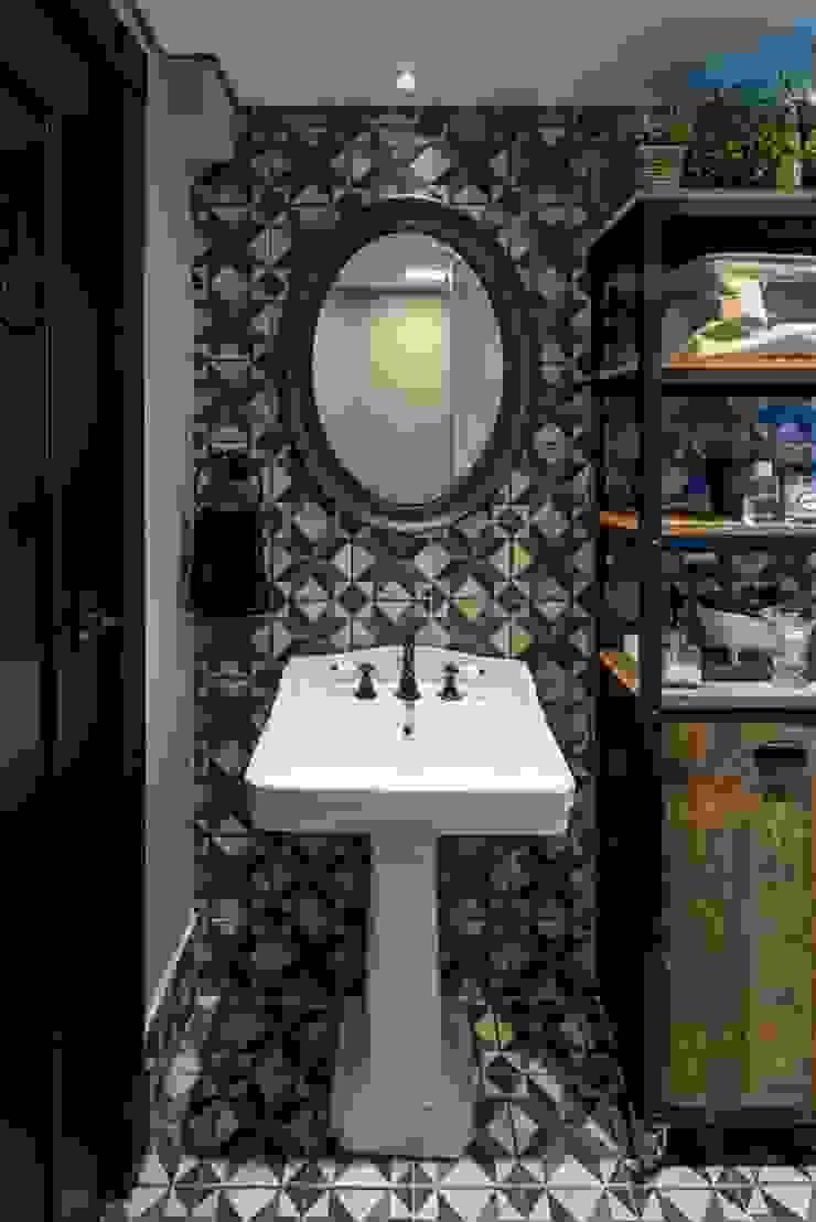Salle de bain classique par Piloni Arquitetura Classique