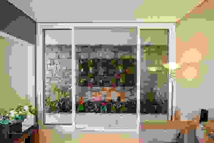 Casa, Condomínio Ibi Aram, Itupeva, São Paulo, Brasil Varandas, alpendres e terraços modernos por Larissa Carbone Arquitetura e Interiores Moderno