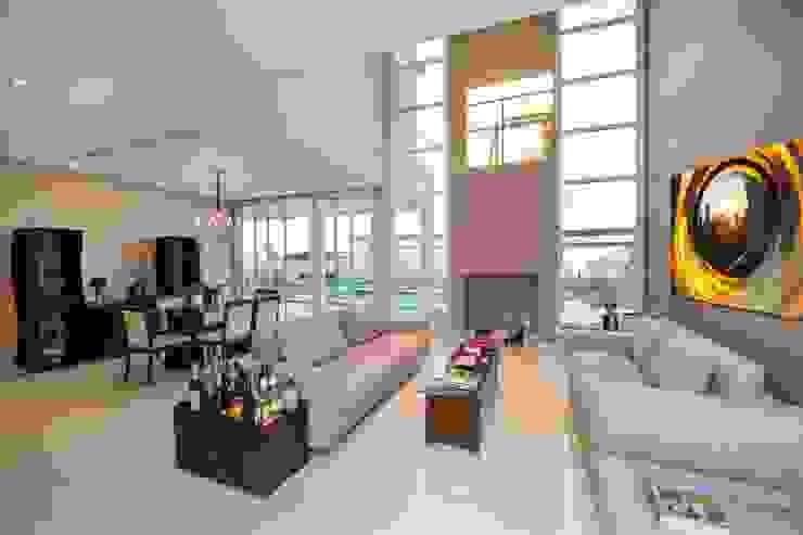 Casa, Condomínio Ibi Aram, Itupeva, São Paulo, Brasil Salas de estar modernas por Larissa Carbone Arquitetura e Interiores Moderno