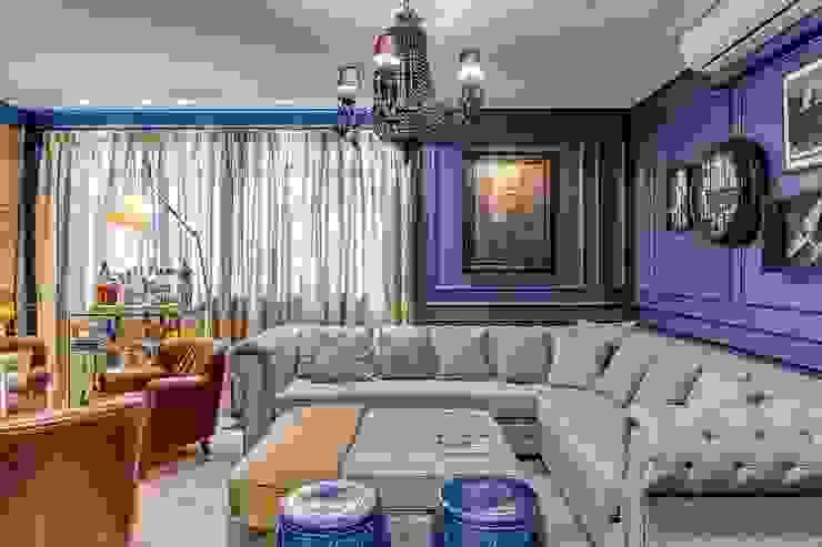 Living Salas de estar clássicas por Piloni Arquitetura Clássico