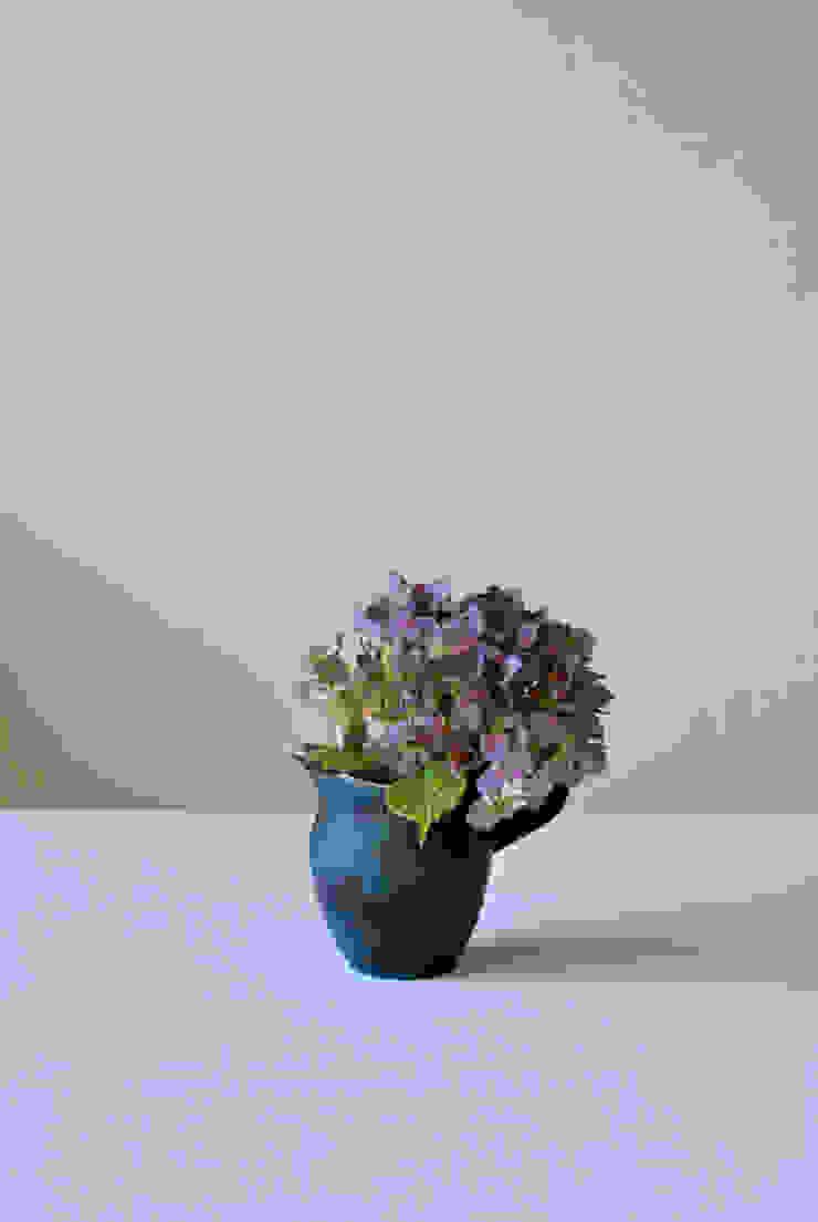 水差し: 杉田 真紀が手掛けた折衷的なです。,オリジナル 陶器