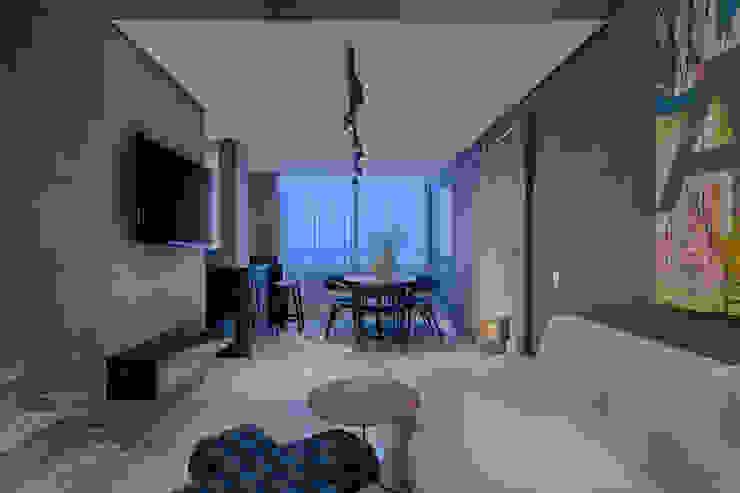 Apartamento   Cobertura Salas de estar modernas por Piacesi Arquitetos Moderno